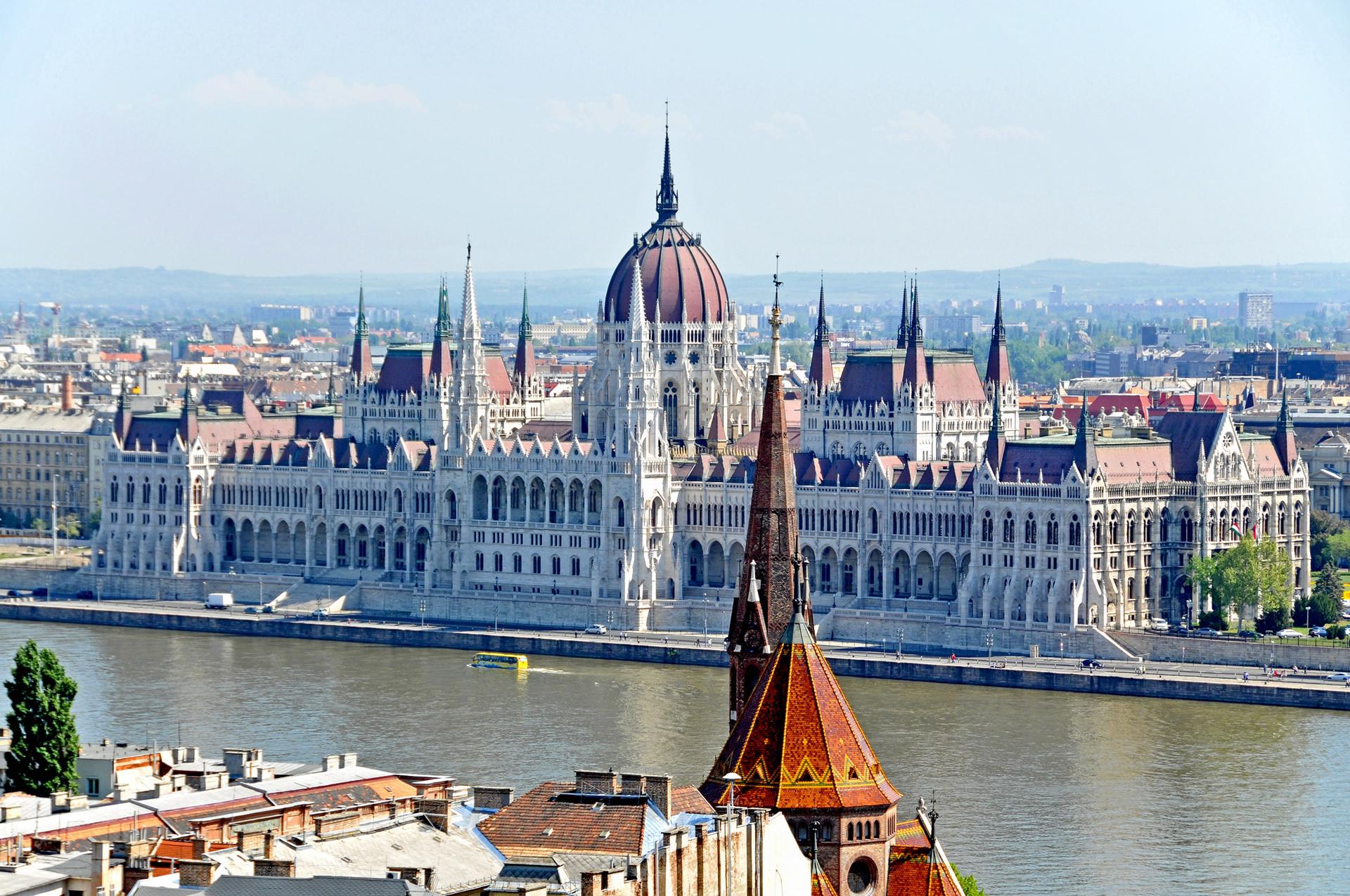 basbakanin-macaristan-ziyareti-ve-sonrasi
